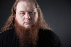 Donker portret van een respectabele mens in de studio royalty-vrije stock fotografie