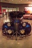 Donkerblauwe de Gangsterploeg van Chevrolet van 1939 Hoofd Luxe Stock Foto