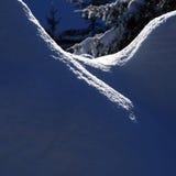 Donkerblauwe de stapelschaduwen van de de wintersneeuw Royalty-vrije Stock Fotografie