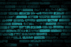 Donkerblauwe grungemuur Stock Foto's