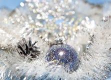 Donkerblauwe Nieuwjaarbal Stock Afbeelding