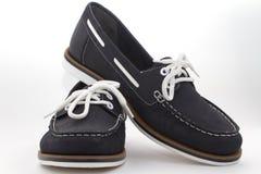 Donkerblauwe vrouwelijke schoenen Royalty-vrije Stock Afbeeldingen