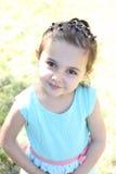 Donkerbruin meisje in leerjasje Stock Fotografie