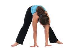 Donkerbruine de krommings voorwaartse afzonderlijke benen van het sportmeisje Royalty-vrije Stock Fotografie