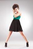 Donkerbruine vrouw in elegante kleding Stock Fotografie