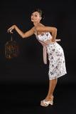 Donkerbruine vrouw in studio Stock Foto's