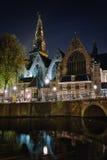 Donkere avond in Amsterdam Stock Afbeeldingen