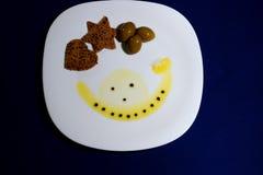 Donkere brood, olijven en olijfolie Royalty-vrije Stock Afbeelding