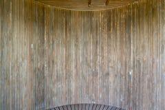 Donkere bruine houten het patroonachtergrond van de muurtextuur Stock Fotografie