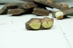 Donkere chocolade op witte achtergrond Royalty-vrije Stock Afbeelding