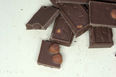 Donkere chocolade op witte achtergrond Stock Foto's
