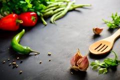 Donkere culinaire achtergrond royalty-vrije stock afbeeldingen