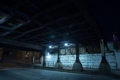 Donkere de stadsstraat van Chicago bij nacht Royalty-vrije Stock Fotografie