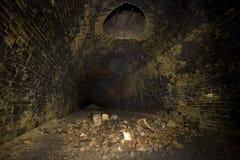 Donkere de ventilatieschacht van de Tunnel Royalty-vrije Stock Fotografie