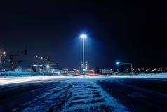 Donkere de winterstraat Stock Afbeelding