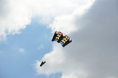 Donkere en kleurrijke vlieger Royalty-vrije Stock Afbeelding