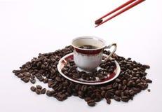 Donkere geroosterde koffiebonen Royalty-vrije Stock Fotografie
