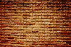 Donkere kleur van oranje bakstenen muur Royalty-vrije Stock Foto's