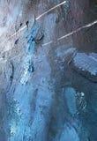 Donkere nacht van indigo diepe kosmos Donkerblauwe achtergrond met natuurlijke indigo het schilderen texturen De verbazende night Royalty-vrije Stock Foto's