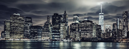 Donkere nachtstijgingen Stock Foto's