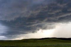 Donkere onweerswolken Stock Foto's