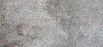 Donkere pleistermuur met vuile gebarsten gekraste achtergrond Oude retro wijnoogst brickwall met textuur van de schil de grijze g royalty-vrije stock foto