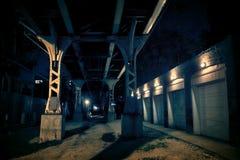 Donkere Stadssteeg bij Nacht Stock Foto