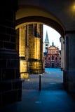 Donkere straat Royalty-vrije Stock Foto's