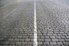 Donkere Straatsteenrijweg Royalty-vrije Stock Afbeelding