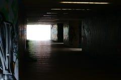 Donkere Tunnel Stock Afbeeldingen