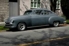 Donkere Uitstekende Auto Royalty-vrije Stock Foto