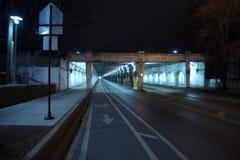Donkere van de de stads industriële trein van Chicago de brugonderdoorgang bij nacht Stock Foto
