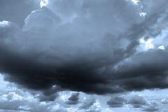 Donkere wolken Stock Afbeelding