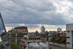 Donkere wolken over de stad Royalty-vrije Stock Fotografie