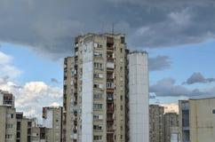 Donkere Wolken over Wolkenkrabbers Royalty-vrije Stock Afbeeldingen