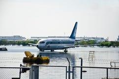 Donmuang Flughafen beeinflußt durch Flut stockfotos