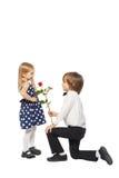 A donné une rose à la fille photos libres de droits