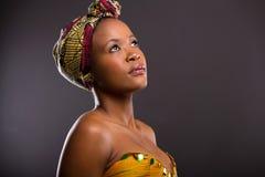 Donna abbastanza africana fotografia stock