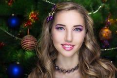 Donna abbastanza dorata dei capelli Fotografie Stock Libere da Diritti
