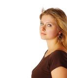 Donna abbastanza giovane che lo esamina fotografie stock libere da diritti
