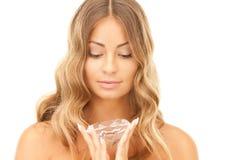 Donna adorabile con il grande diamante Fotografia Stock