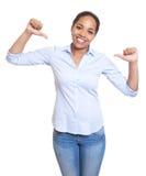 Donna africana divertente in una camicia blu fotografia stock