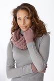 Donna afro attraente in vestiti di inverno Fotografia Stock Libera da Diritti
