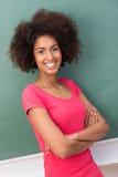 Donna afroamericana sorridente felice Fotografie Stock Libere da Diritti