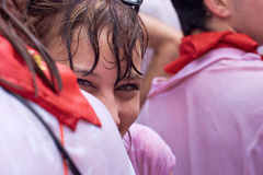 Donna al festival del San Fermin Fotografie Stock Libere da Diritti
