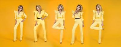 Donna alla moda in tuta, scarpe ed accessori gialli piacevoli Foto di estate della molla di modo - immagine fotografia stock libera da diritti