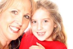 Donna & bambino splendidi che abbracciano upclose Fotografie Stock Libere da Diritti