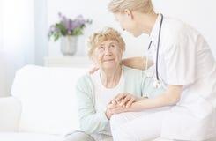 Donna anziana felice immagine stock libera da diritti