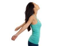 Donna asiatica che si rilassa con a braccia aperte Fotografia Stock
