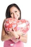 Donna asiatica con l'aerostato heart-shaped Fotografie Stock Libere da Diritti